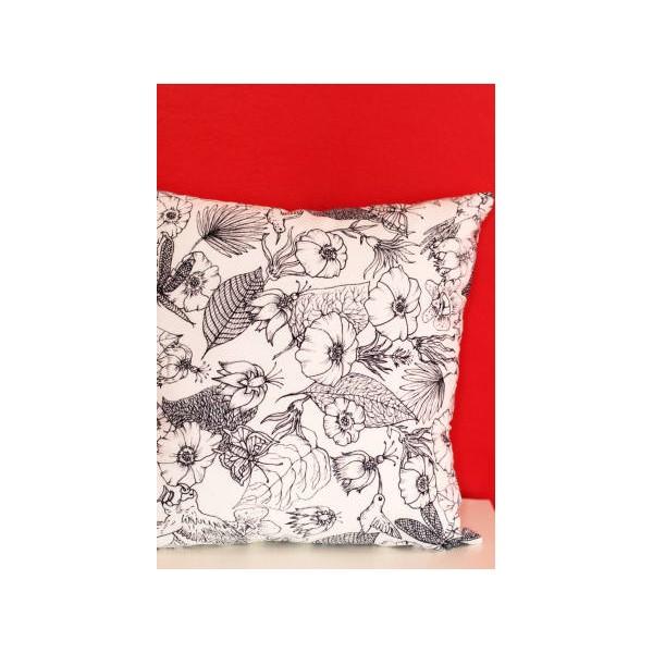 coussin fleurs noir et blanc miss couettes. Black Bedroom Furniture Sets. Home Design Ideas